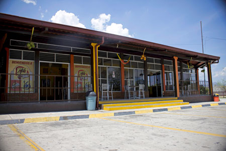 Front view of Tortas Mila bakery store, in Teculutan