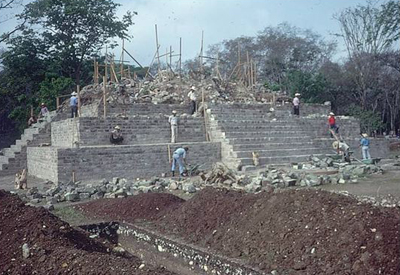 Temples and Pyramid construction Lecture programs on Mayan architecture, pyramids, temples, palaces, Guatemala, Mexico, Belize, Honduras Maya Archaeology
